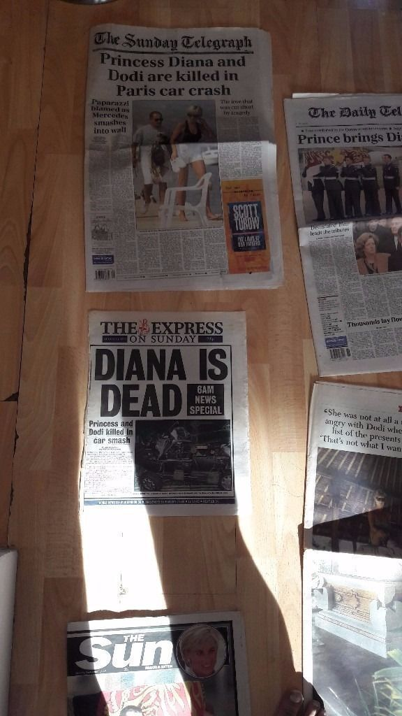 **PRINCESS DIANA**NEWSPAPERS ETC COVERING HER DEATH**HELLO MAGAZINES**PRESERVED**COLLECTIBLE**
