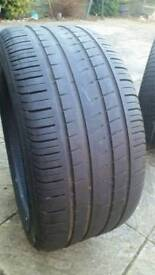 Pirelli P Zero Rosso 275 40 19 tyre