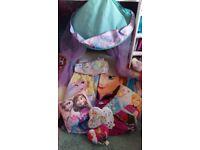 Disney frozen canopy duvet set fleece blanket and 4 pillows