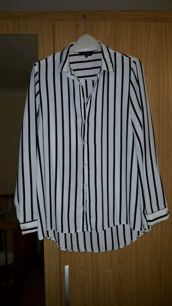 Black and white shirt- Size 10