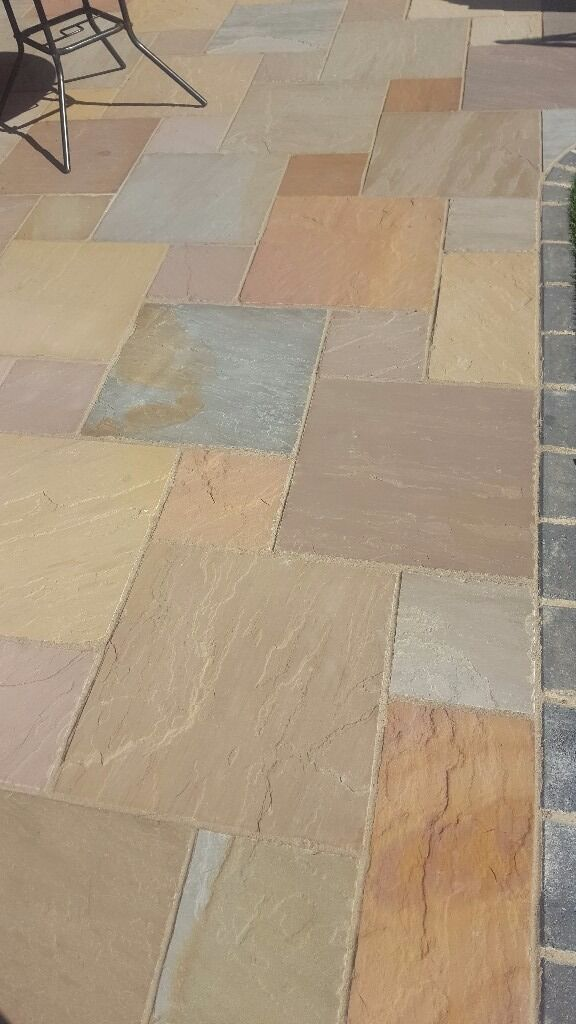 25 X Marshalls Indian Sandstone Paving 560x560x22mm