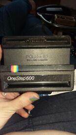 Polaroid camera onestep600
