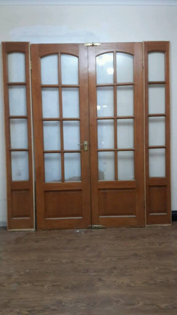 Double doors with side lights