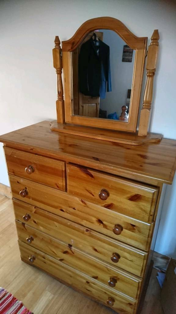 Chest Of Drawers With Detached Mirror Top In Malone