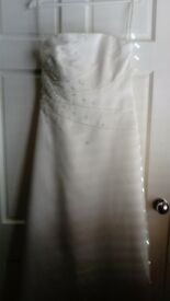 Ivory wedding dress says 14 but more like size 10_12 never worn £15