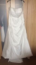Wedding dress size 16 USA by Forever Yours