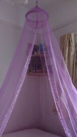 Gorgeous pink sequin canopy. Perfect for girls bedrooms.