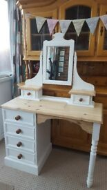 Dressing table/pine /chest of draws/dresser
