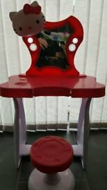 Hello Kitty dressing table with chair