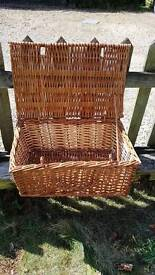 Traditional Wicker Picnic basket