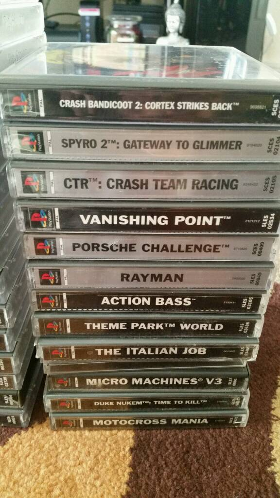 Ps1 games. Also ps1 console with 2 pads and memory card.