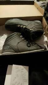 Voi boots size UK 6