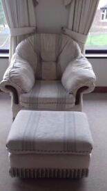 Traditional style 3 2 1 suite plus footstool