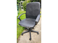 Black Office chair with arm rests