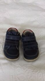 Clarke's boys blue boots/shoes size 5.5 f. Used good condition.