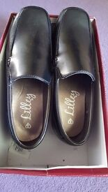 Boy's school leather shoes, size 6, brand new