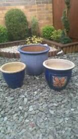 Set of 3 large pots