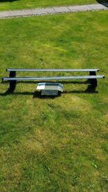 Halfords exodus aero roof bars (135 cm) and fixing feet (fp4) - used on insignia)