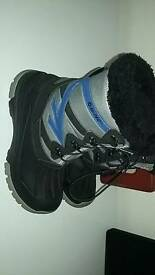 Hitec uk size 4 boots unisex worn once as new vgc
