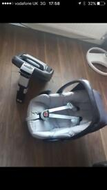 Peebles maxi cozi car seat and base