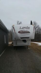 2010 KEYSTONE 5TH WHEEL! ** VERY CLEAN AND GREAT DEAL!