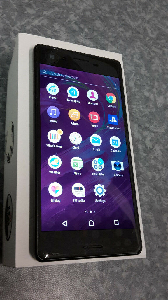 Boxed Sony Xperia X in superb condition. Locked to EE/Virgin/T mobile