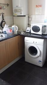 Master Room in Clean Flats hare £540 all inclusive.