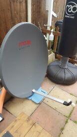 Maxx Digital 103cm satellite dish (very good condition).