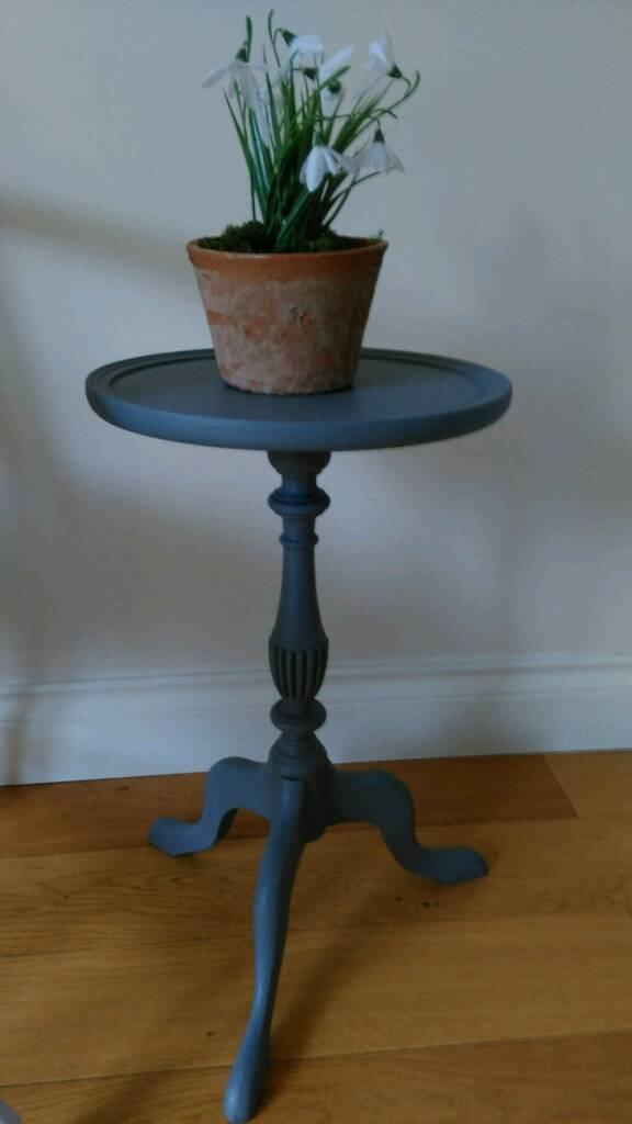 Solid wood side wine table painted. Shabby chic.