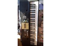 Yamaha YPT-220 keyboard hardly used, great for a beginner