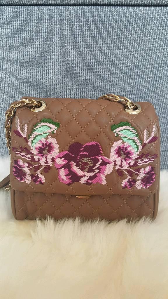 Elegant Love Moschino bag