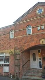 Spacious 2 Bedroom converted mews house Preston