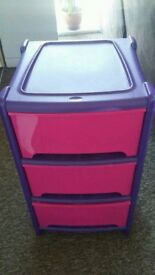 3 drawers plastic storage unit good condition