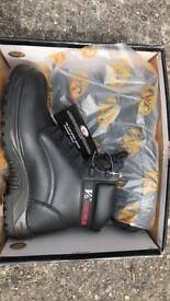 Safety Boots size 7 BNIB