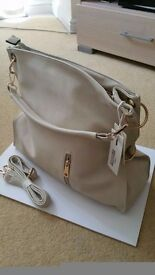 Ladies Purses/Hand Bags Stylish and High Quality Great Price
