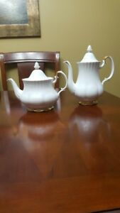Discontinued Collectable Tea Set