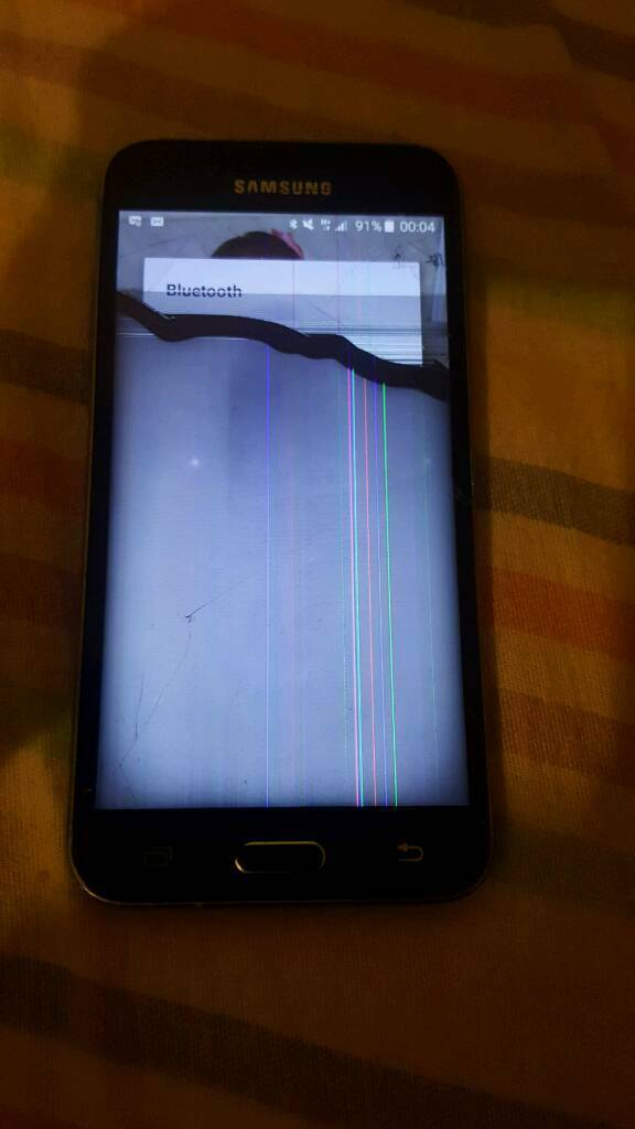 Samsung j3 / needs a whole new screen/still can see it come on/cash or  swaps   in Dagenham, London   Gumtree