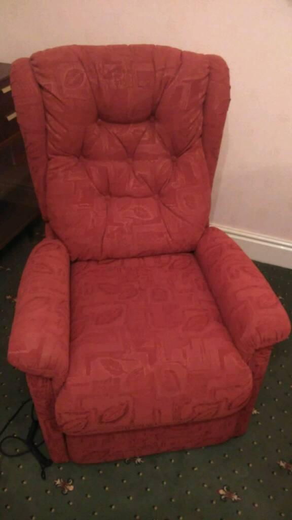 Motorised recliner armchair