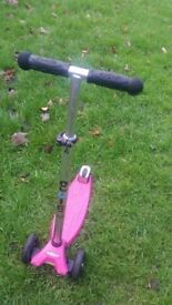 Micro Maxi Scooter Pink