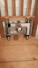 VADO mixer tap riser shower kit