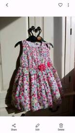 2 x girls dresses 3-4 years new / twins