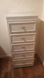 Woode. 5 drawer chest