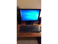 Hewlett Packard HP LE1901w Widescreen Monitor & Keyboard