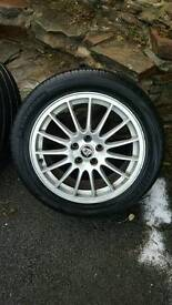 Jaguar 17 inch wheels( full set and spare wheel).