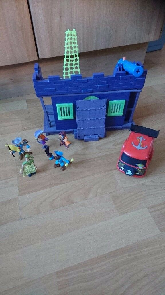 Scooby doo playset with figures