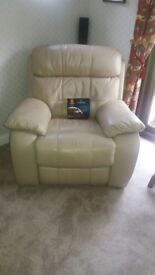 PAIR ELECTRIC RECLINER ARMCHAIRS