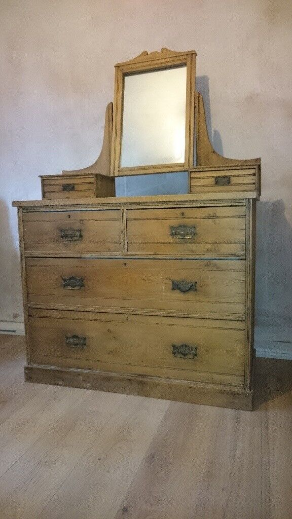 Chest Of Drawers With Mirror And Small Drawers In
