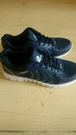 Mens Trainers Size 7.5
