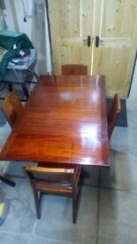Leaf table and 4 chairs.