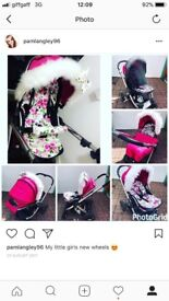 Girls oyster 2 pram. Comes with personalised liner, bumper far, fur and bow. Raincover and footmuff